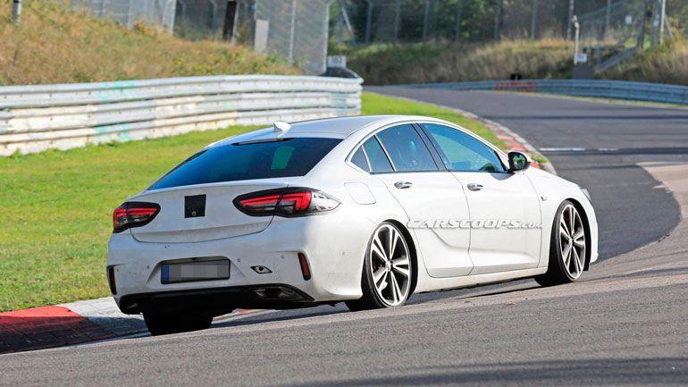 Новый Opel Insignia попался во время испытаний 1