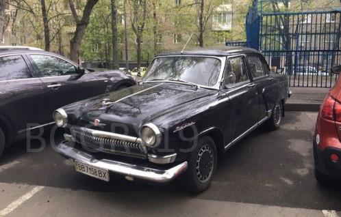 Украинец превратил Mercedes W210 в ГАЗ-21 1