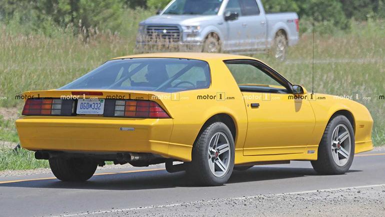 «Старенький» Chevrolet Camaro вышел на тесты 2