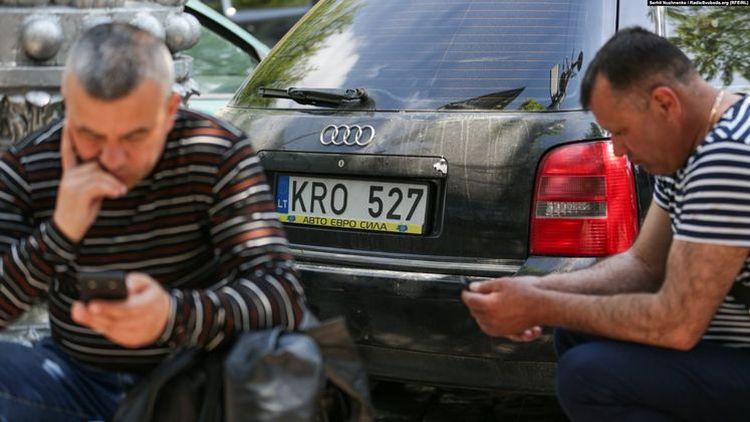 Президент Украины пообещал разобраться с «евробляхами» 1