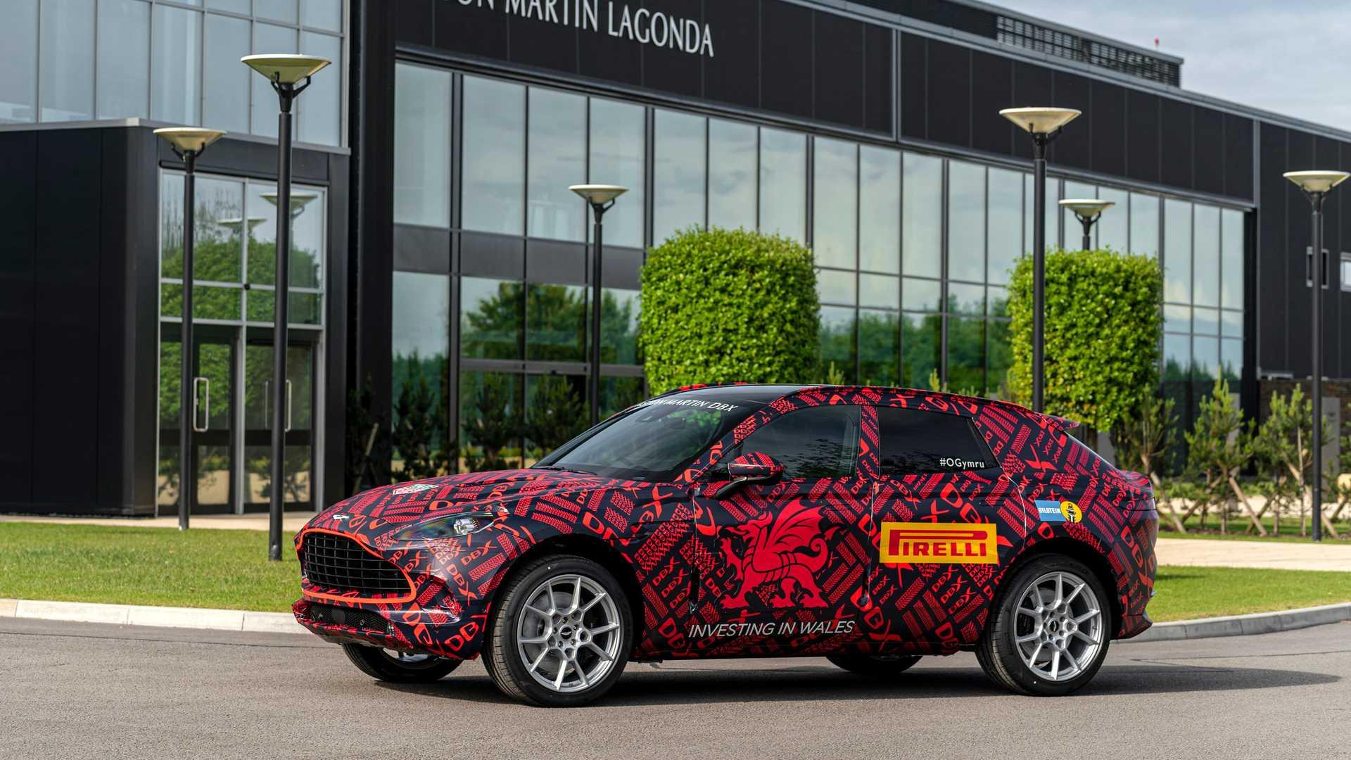 Aston Martin тестирует кроссовер на скорости 300 км/ч 2