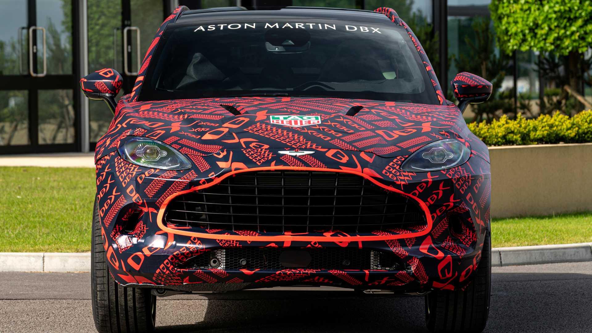 Aston Martin тестирует кроссовер на скорости 300 км/ч 1