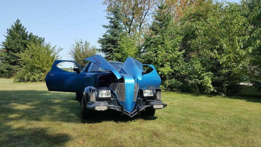 «Настоящий мутант»: на продажу выставили машину, собранную из 17 других 1