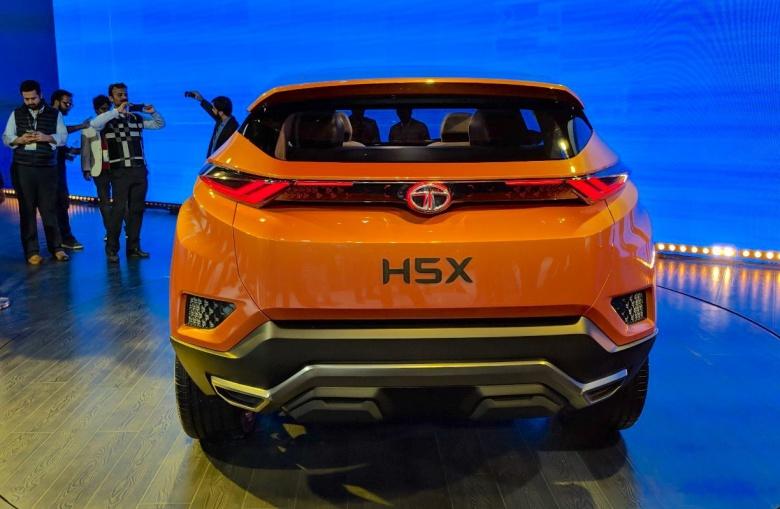 Индусы построили свой Land Rover Discovery Sport 3