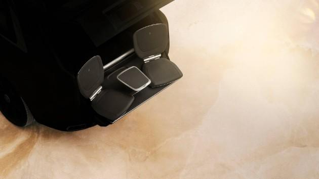 Внедорожник Rolls-Royce обзавелся выдвижными креслами 1