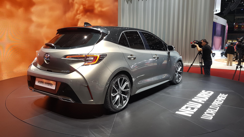 Toyota презентовала новый Auris 1
