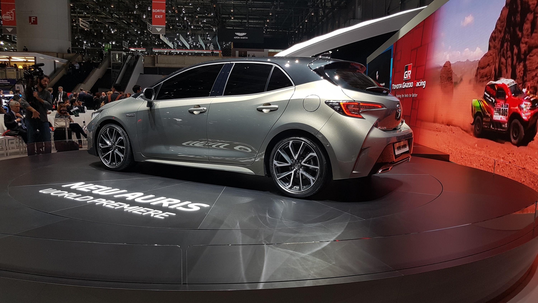 Toyota презентовала новый Auris 2