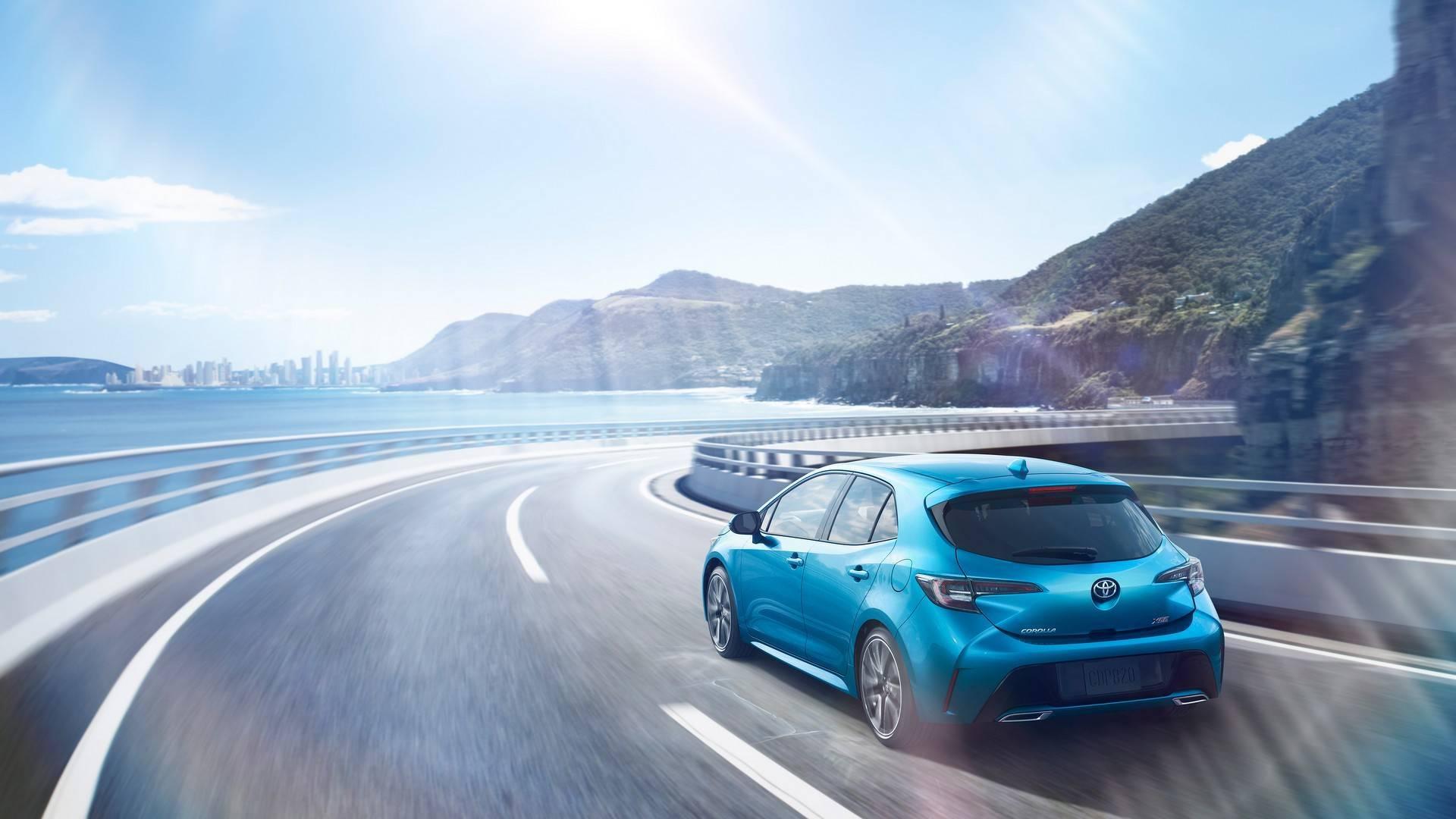 Toyota рассекретила хетчбэк Corolla нового поколения 1