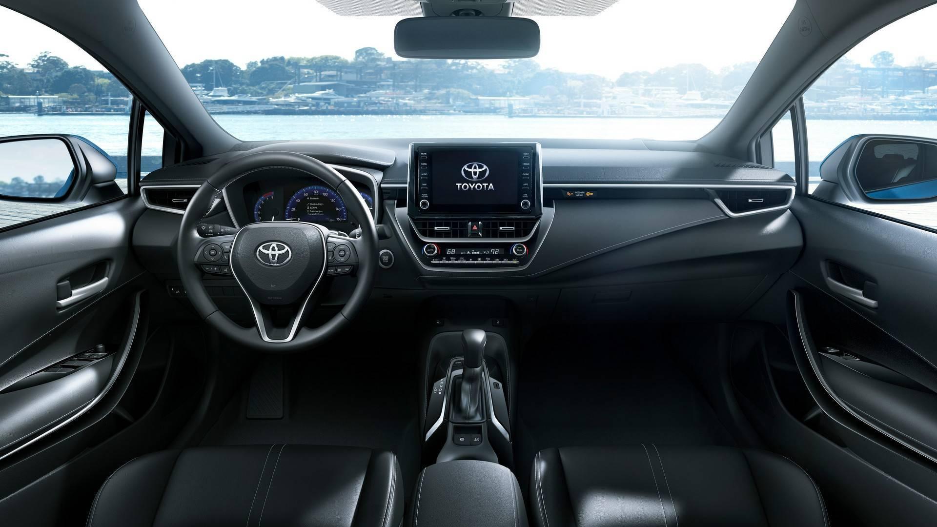 Toyota рассекретила хетчбэк Corolla нового поколения 2