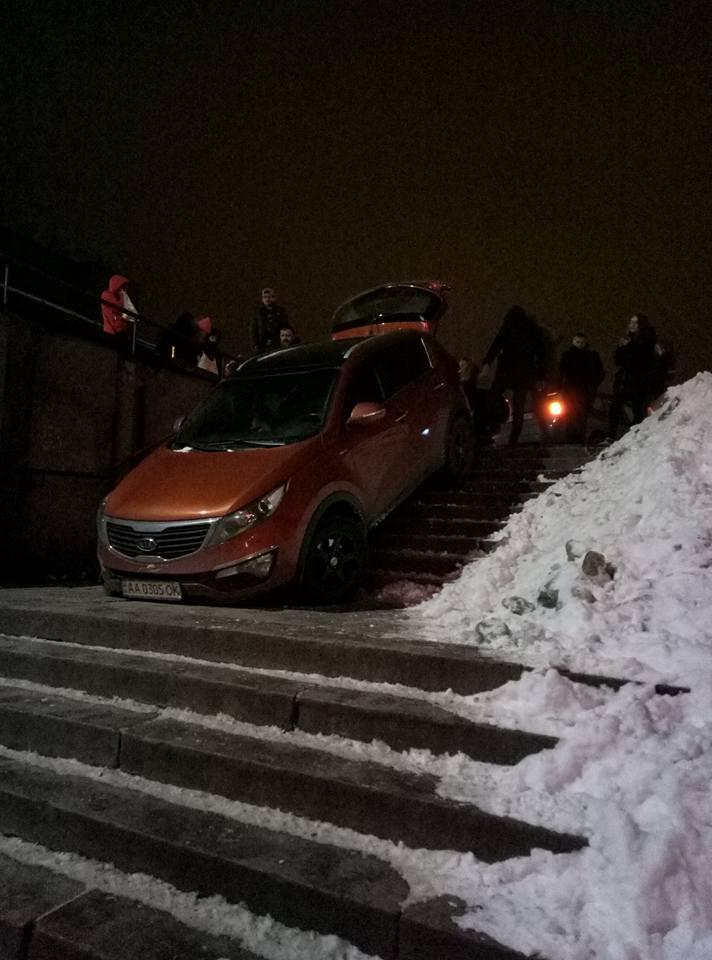 Kia в подземном переходе шокировала киевлян 2