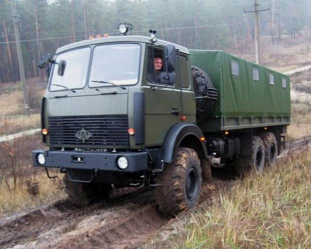 ВСУ получили новый полноприводный грузовик 1