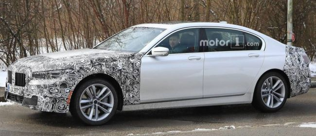 Шпионы показали «живые» фото нового BMW 7-Series 1