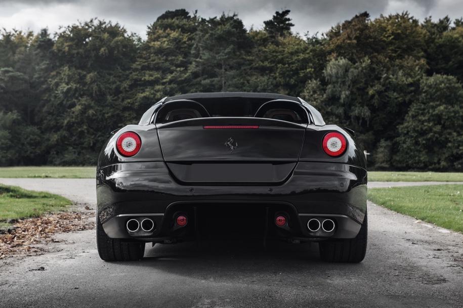Дважды уникальный Ferrari пустят с молотка 2