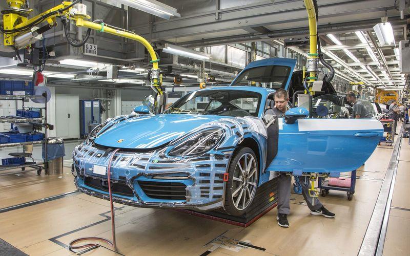 Porsche вновь щедро поощряет своих рабочих 1