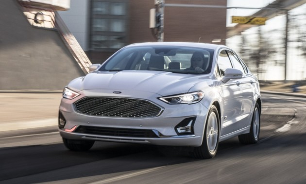 Ford повторно обновил Mondeo 1