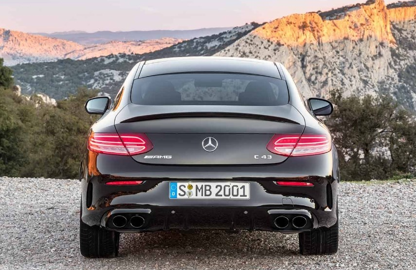 Mercedes-Benz презентует новинки C-класса 4