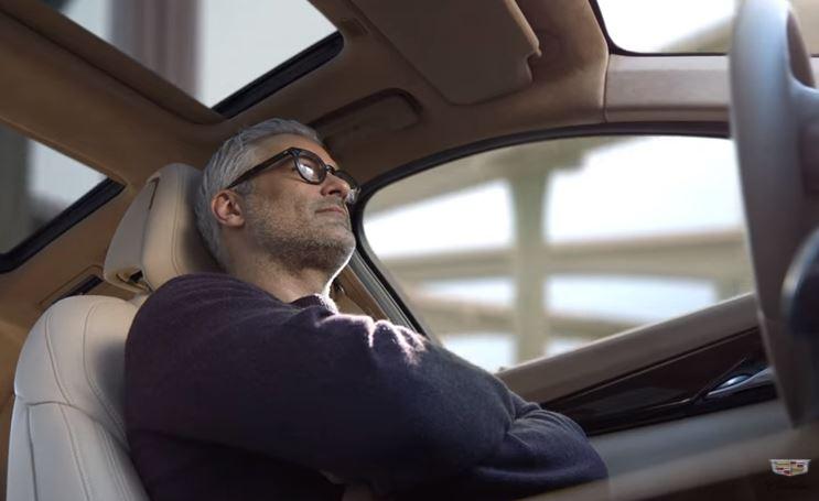 Компания Cadillac решила «потроллить» Tesla 1