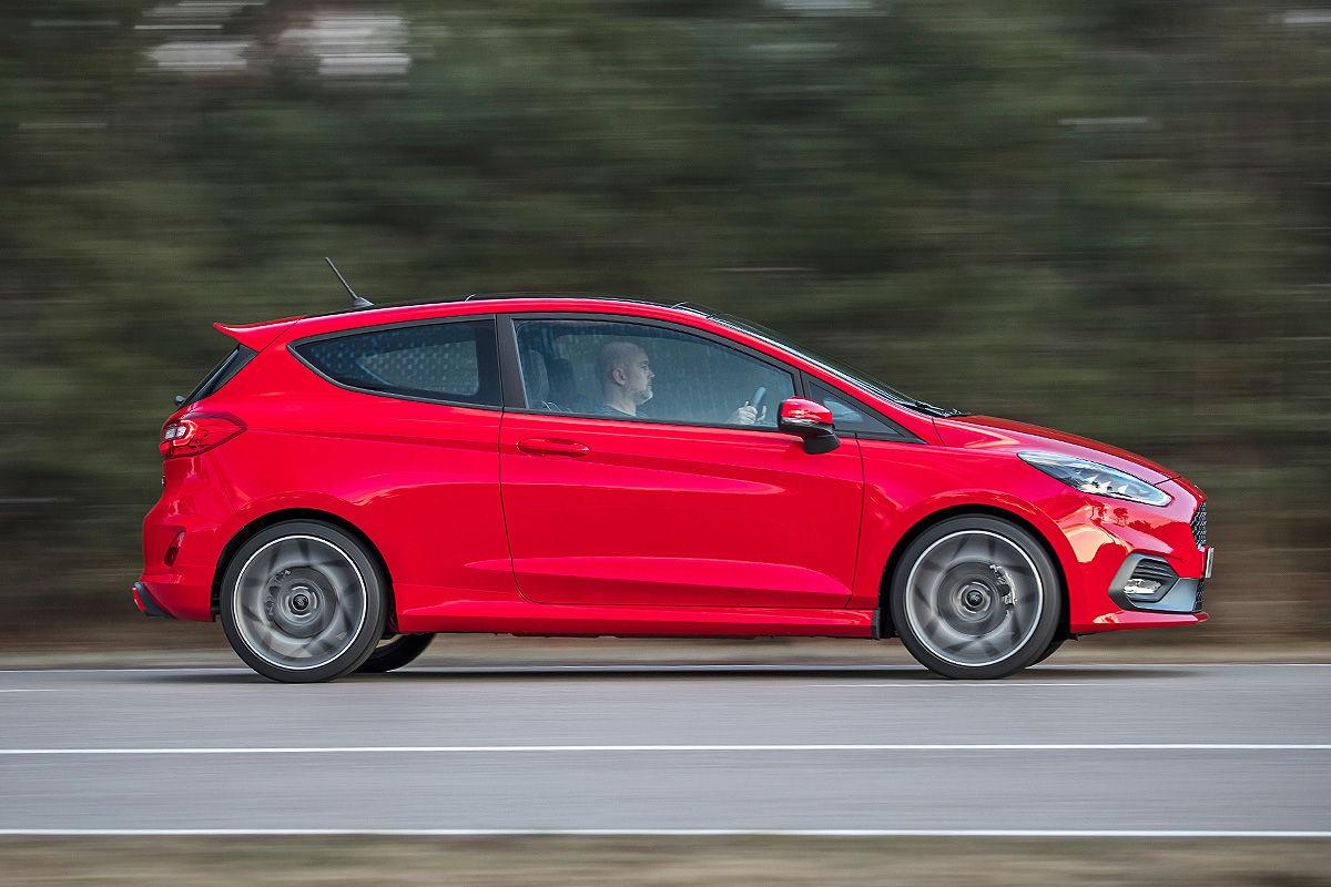 «Зубастый малыш»: тест-драйв Ford Fiesta ST 6