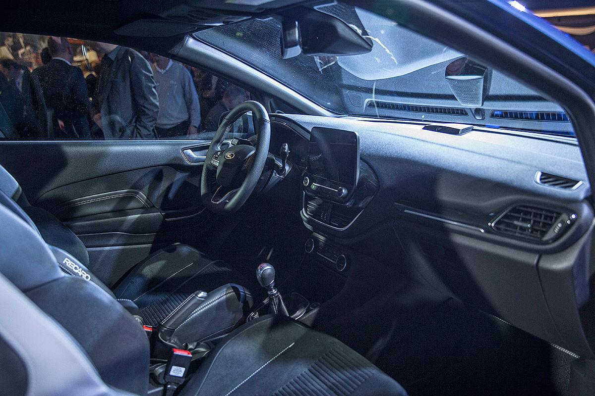 «Зубастый малыш»: тест-драйв Ford Fiesta ST 4