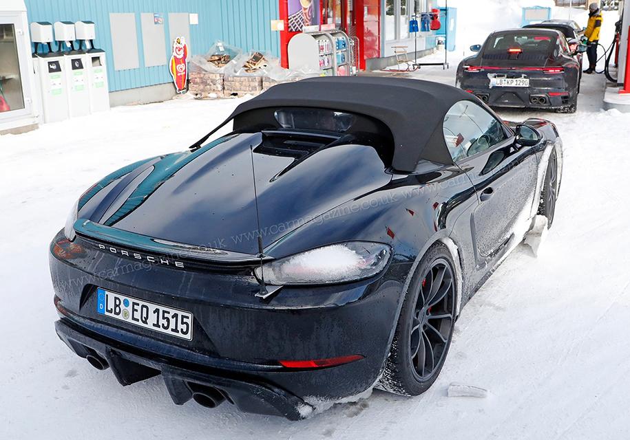Фотошпионы заметили Porsche 718 Boxster с 6-цилиндровым двигателем 1