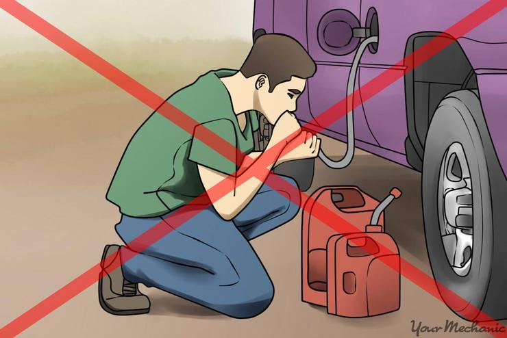 Почему опасно сливать топливо из бака автомобиля — AvtoBlog.ua