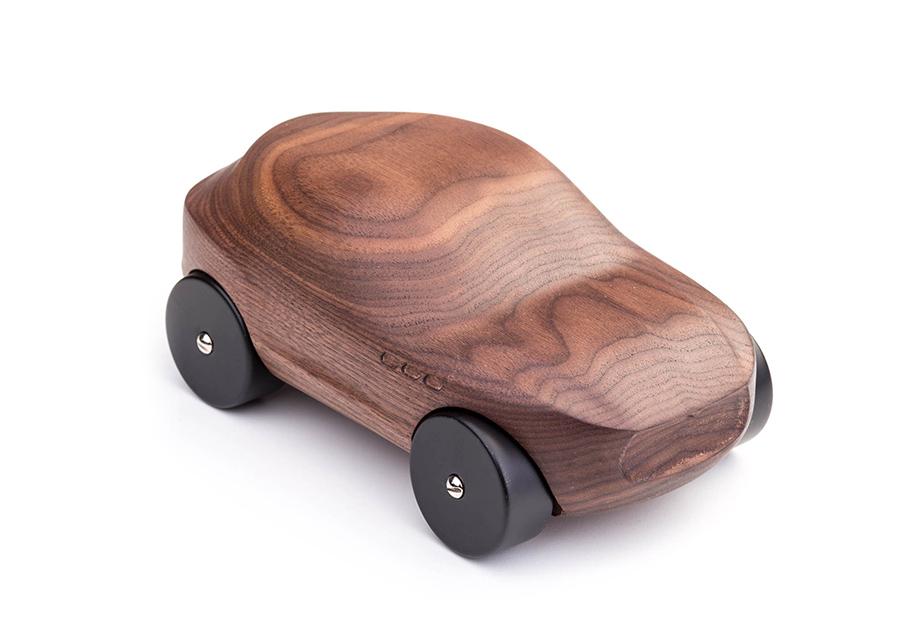 Автомобили Maserati «превратились» в деревянные машинки 2