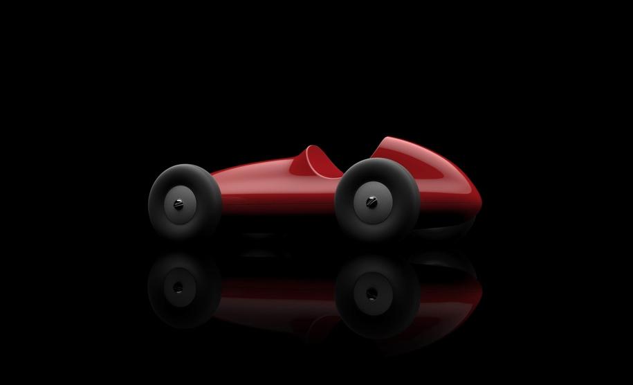 Автомобили Maserati «превратились» в деревянные машинки 1