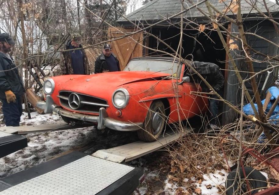 Классический Mercedes-Benz четыре десятилетия пылился в заброшенном гараже 1