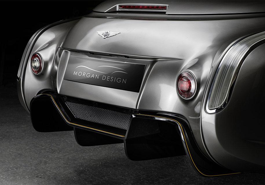 Легендарная марка презентовала автомобиль с мотором от BMW 4