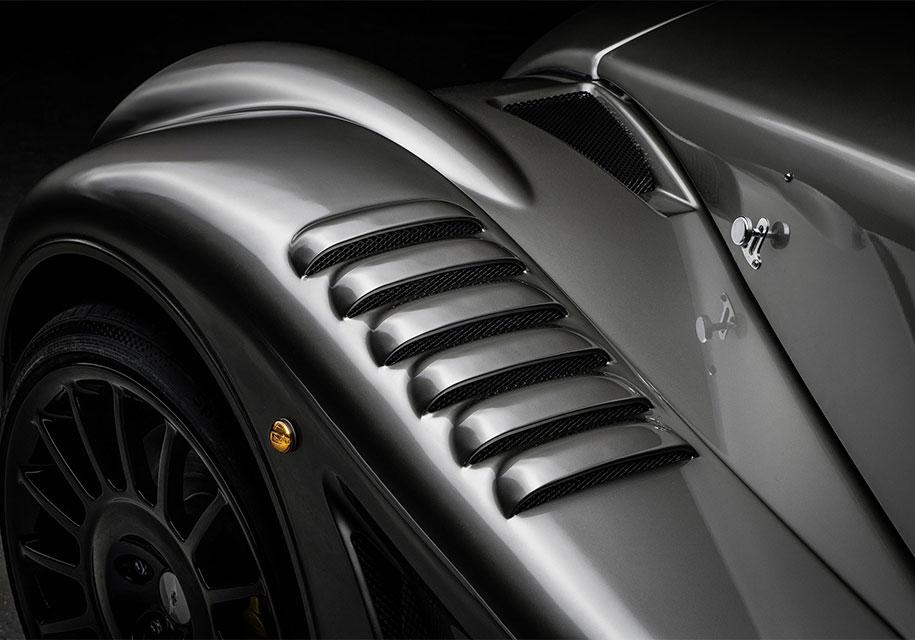 Легендарная марка презентовала автомобиль с мотором от BMW 3