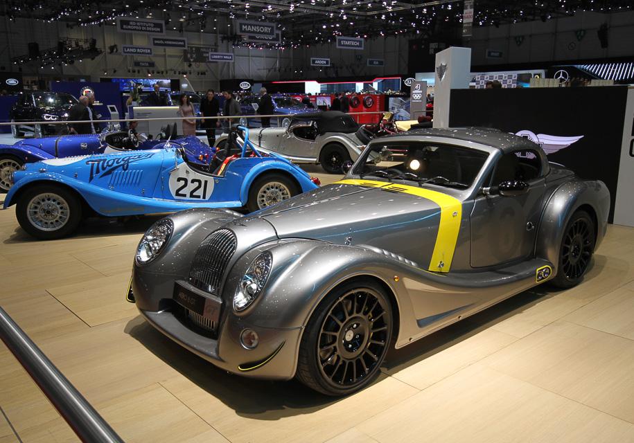 Легендарная марка презентовала автомобиль с мотором от BMW 1