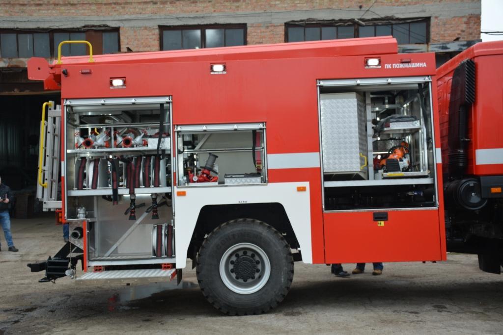Украинские пожарники получили новейшие автомобили 2