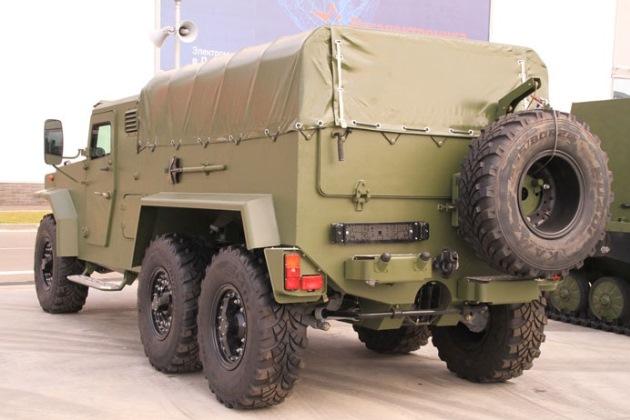 Белорусы построили военный грузовик-амфибию 2