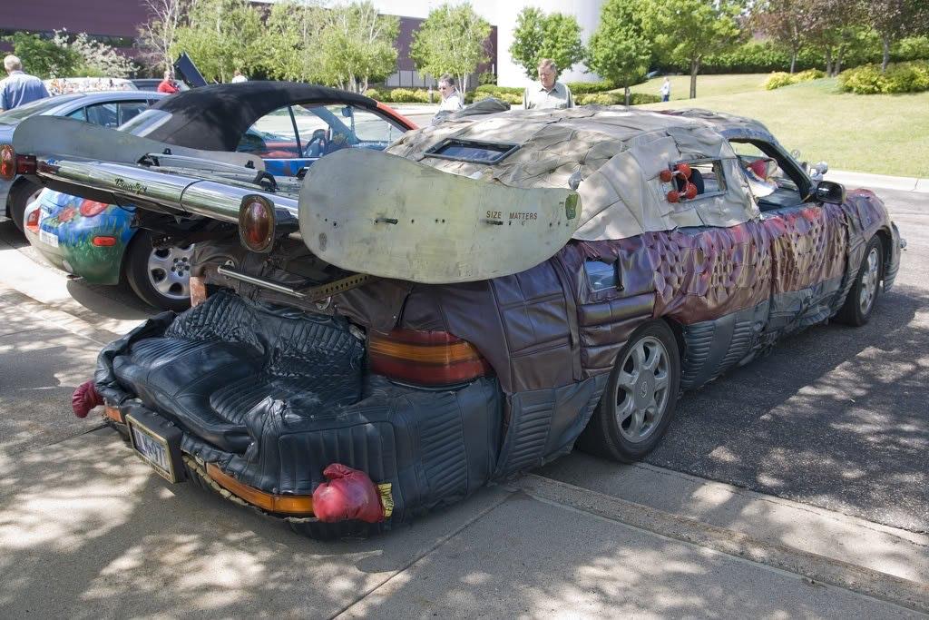 Автовладелец превратил Lexus в настоящее «чудовище» 1