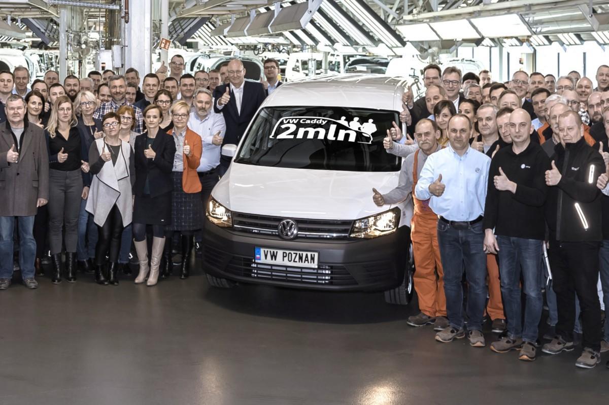 С конвейера сошел двухмиллионный экземпляр Volkswagen Caddy 1