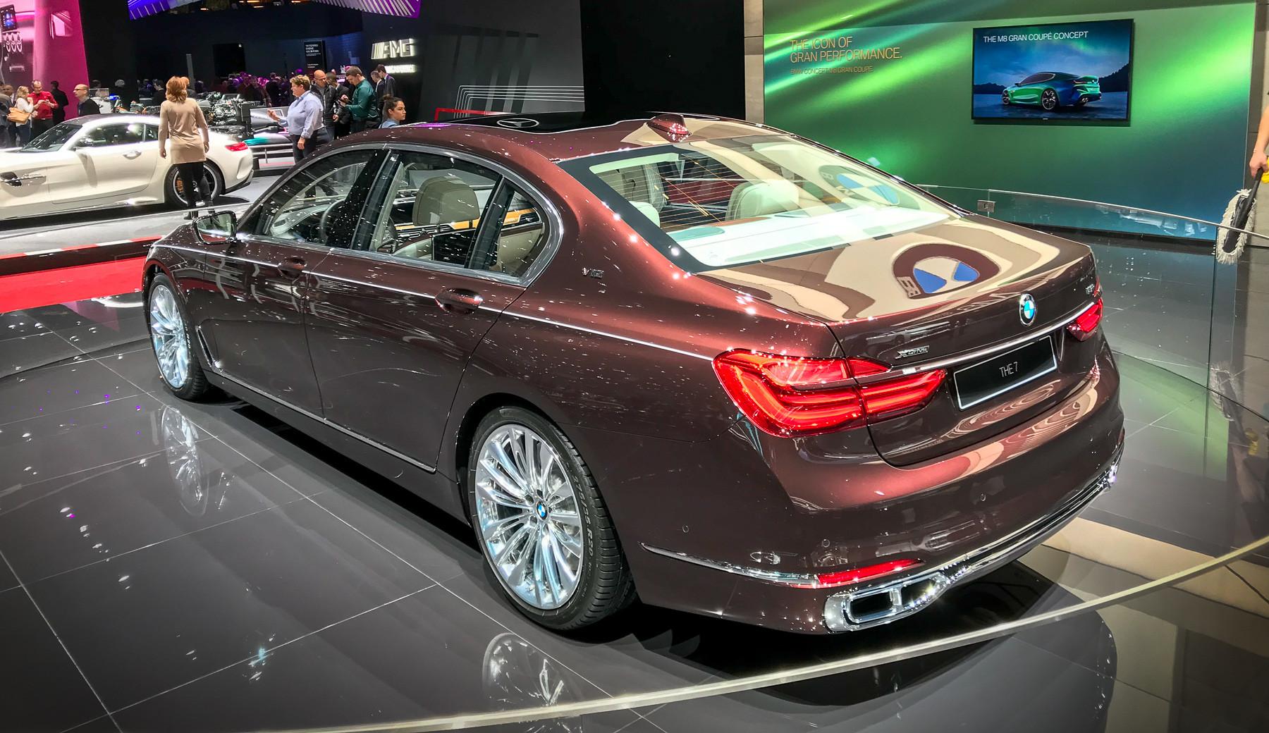 BMW переименует роскошные «семерки» 2