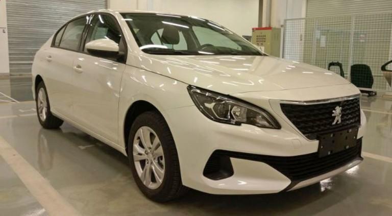 Компания Peugeot выпустит рестайлинговый седан 408 1