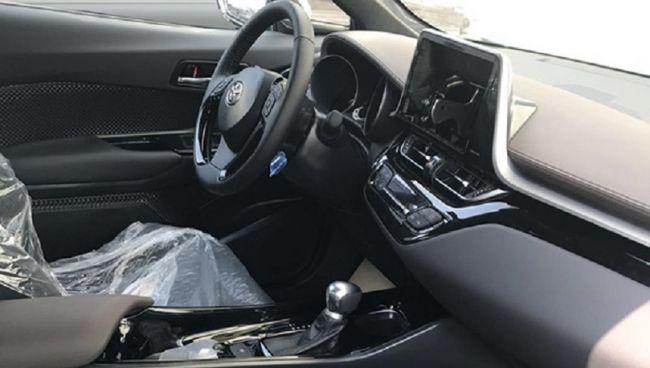 Новый кроссовер Toyota IZOA выходит на автомобильный рынок 3
