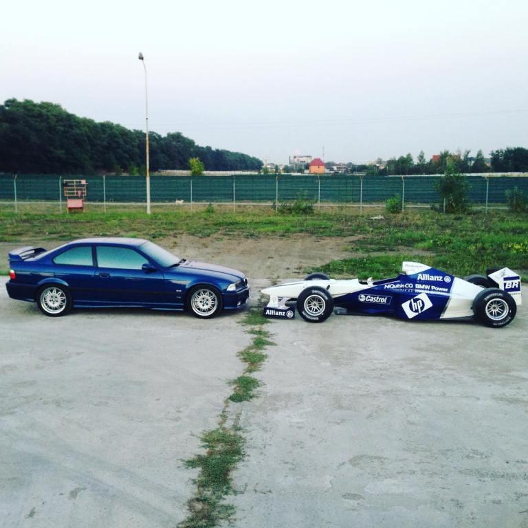 В Украине замечен гоночный болид Формулы 1 1