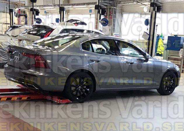 В Сеть «слили» фото седана Volvo S60 1