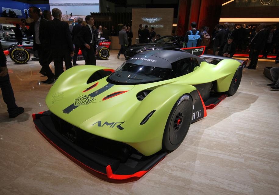 Aston Martin представил 1115-сильную «Валькирию» 1