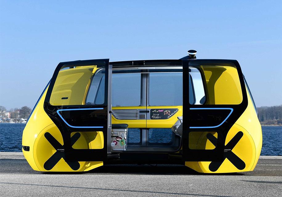 Volkswagen показал «школьный автобус» без руля и педалей 3