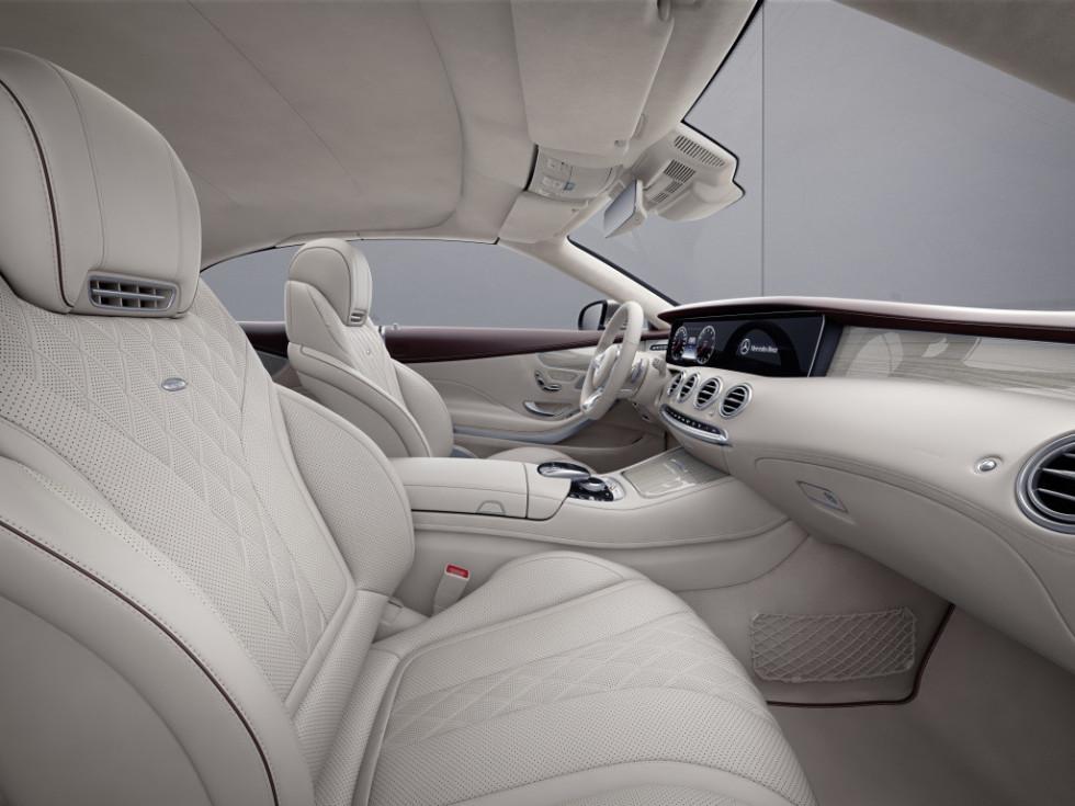 Mercedes-Benz презентовал роскошное купе, украшенное Swarovski 2