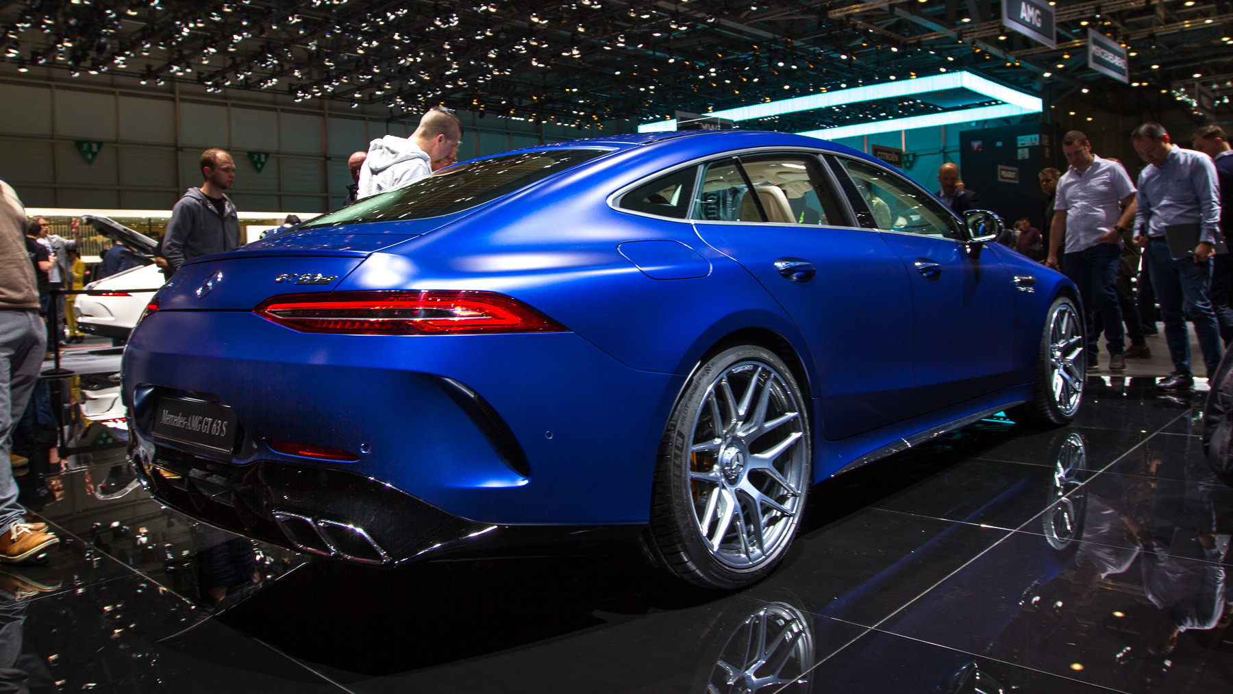 Mercedes-AMG представил пятидверный хэтчбек 2