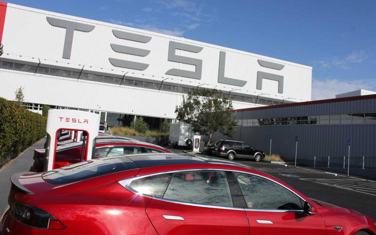 Компания Tesla загрязняет окружающую среду 1