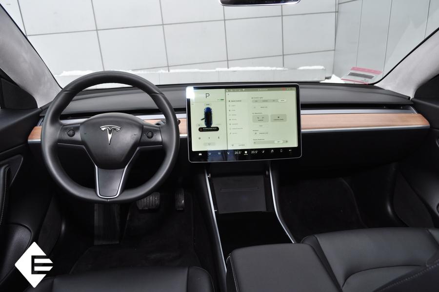 Долгожданная Tesla Model 3 уже в Киеве 2