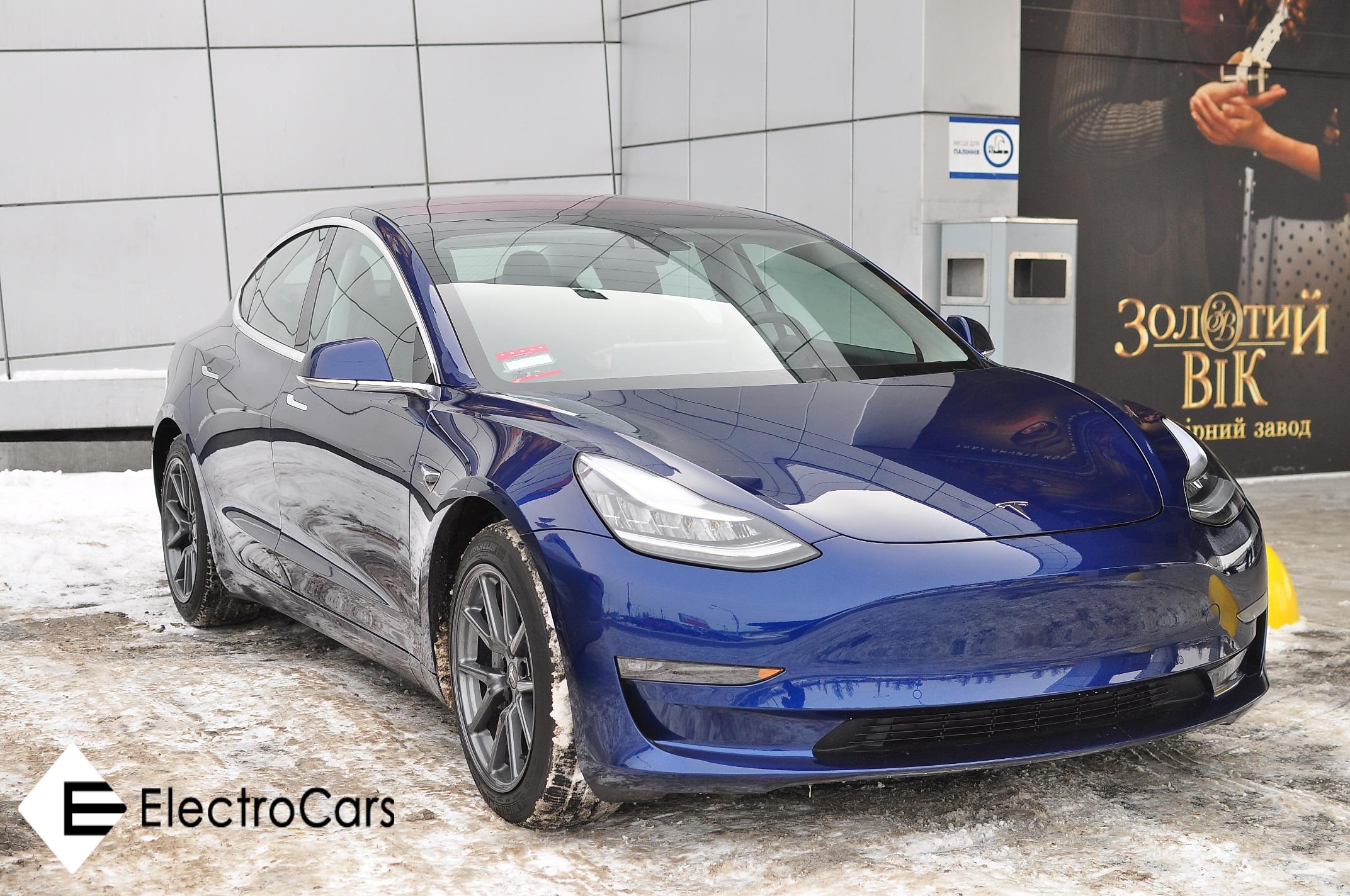 Долгожданная Tesla Model 3 уже в Киеве 1
