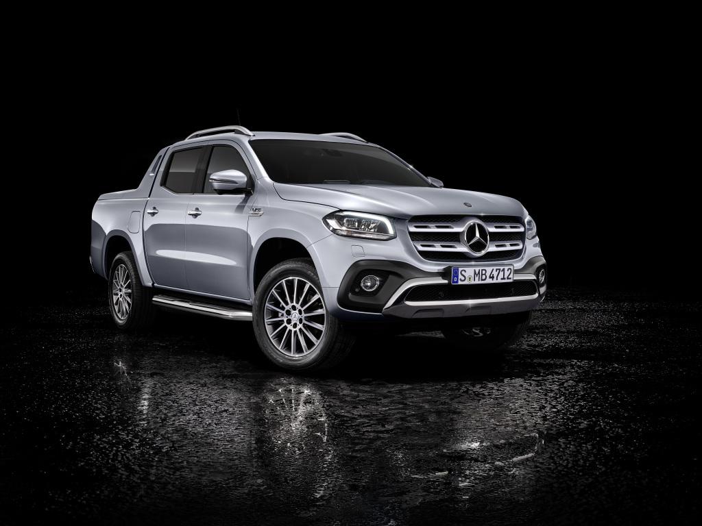 Mercedes-Benz рассекретил дизельный пикап 1