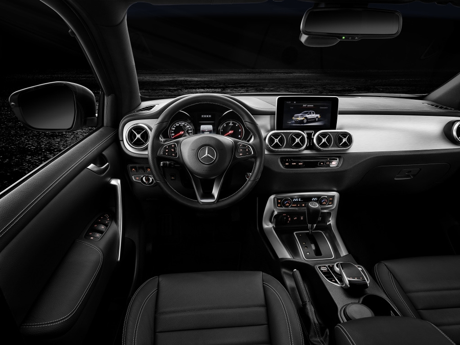 Mercedes-Benz рассекретил дизельный пикап 3