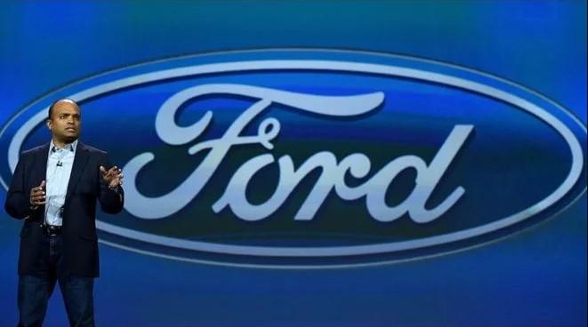 Топ-менеджера компании Ford уволили за поведение 1
